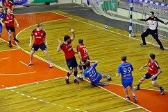 Игровой момент матча СКИФ - Динамо (Астрахань)