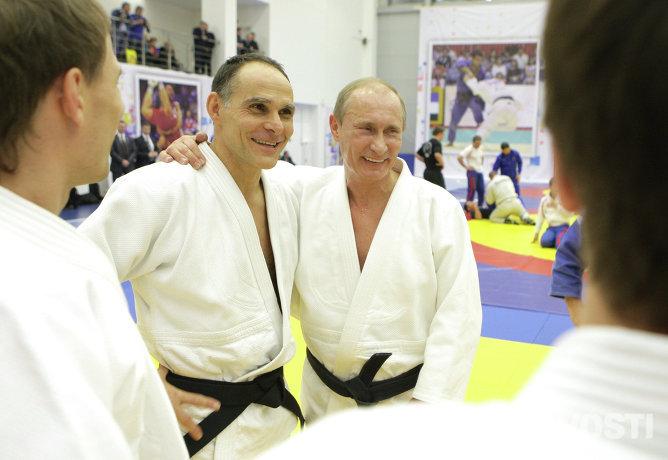 Главный тренер сборной России по дзюдо, итальянец Эцио Гамба и Владимир Путин (слева направо), 2010 год