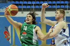 Центровые УНИКСА Лончар Крешимир и Динамо Алексей Саврасенко (слева направо)
