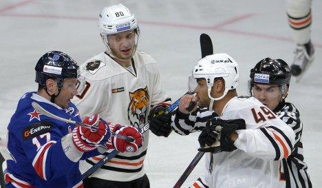 Илья Ковальчук, Томаш Зогорна и Аким Алиу (слева направо)