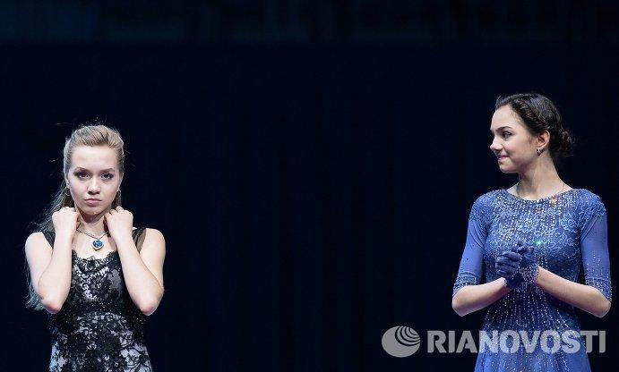 Елена Радионова (Россия) и Евгения Медведева (Россия) (слева направо)