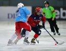 Игрок сборной США Скотт Аранделл (слева) и игрок сборной Норвегии Фритьоф Хагберг