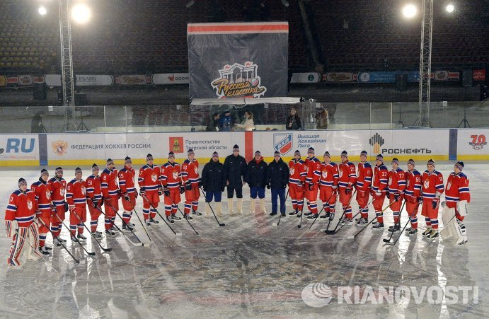 Хоккеисты ЦСКА перед началом гала-матча