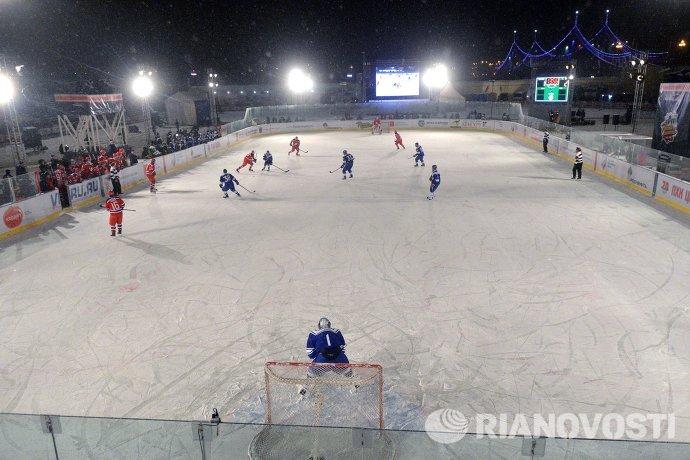 Игровой момент гала-матча между ХК СКА МВО и ПХК ЦСКА
