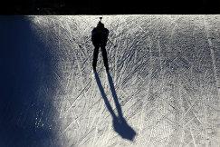 Биатлонист во время спринта на зимних юношеских Олимпийских играх-2016