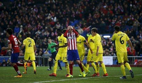 Игровой момент матча чемпионата Испании по футболу Атлетико - Вильярреал