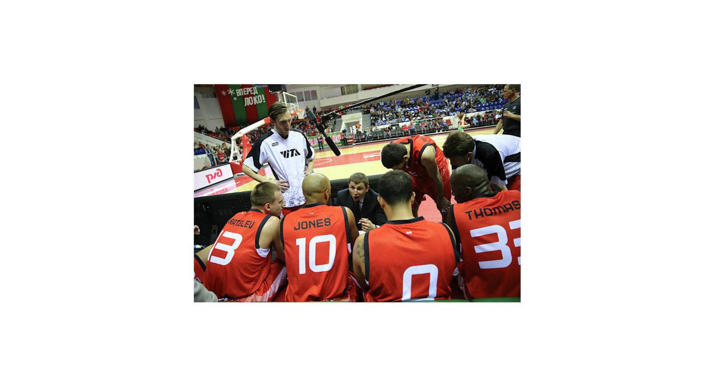 Баскетболисты и тренеры Виты