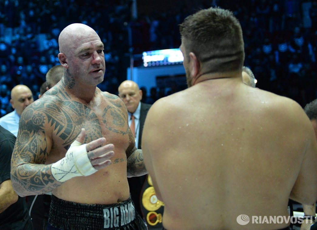 Лукас Браун (слева) и Руслан Чагаев
