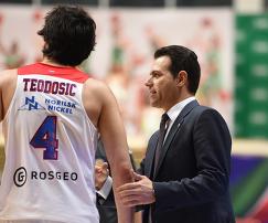 Милош Теодосич и Димитрис Итудис (слева направо)