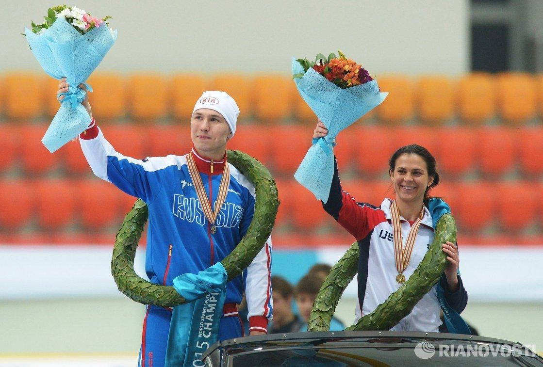 Павел Кулижников и Бриттани Боу (слева направо)