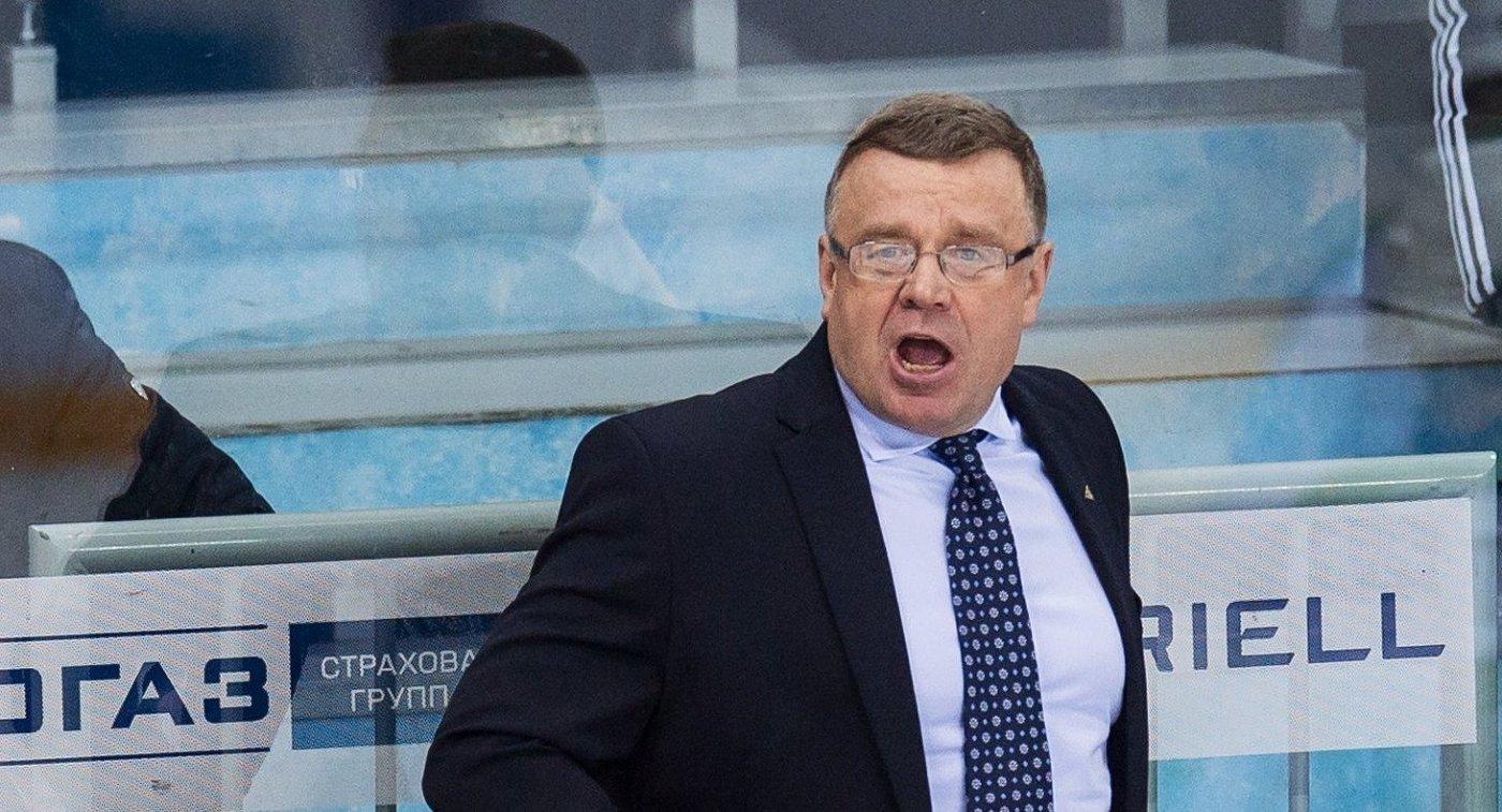 Главный тренер ХК Салават Юлаев Игорь Захаркин
