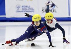 Чхве Мин Джон (слева) и Элиза Кристи