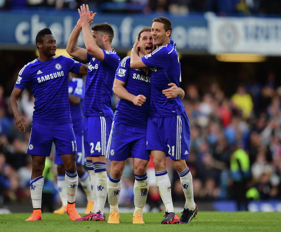 Футболисты Челси радуются победе