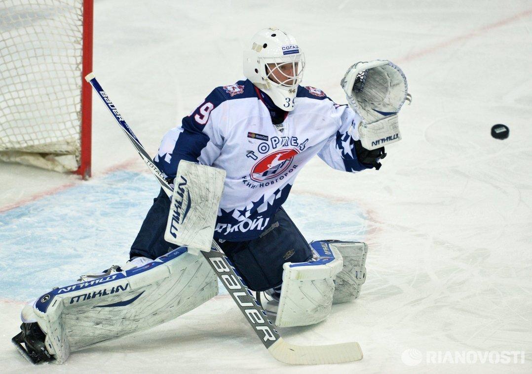 Вратарь Торпедо Михаил Бирюков