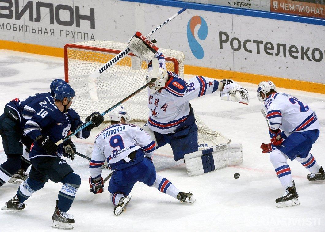 Игровой момент матча Динамо (Москва) - СКА