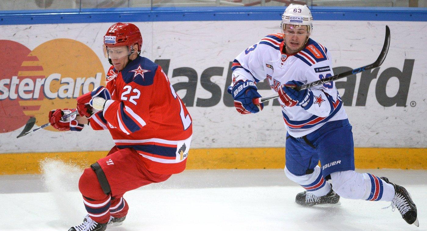 Защитник ЦСКА Никита Зайцев (слева) и форвард СКА Евгений Дадонов