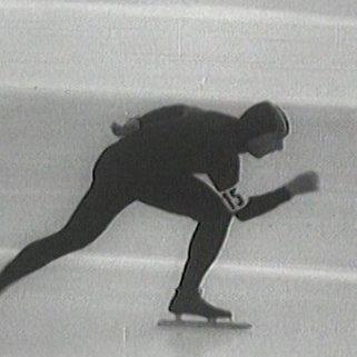 Победные выступления двукратного чемпиона ОИ-1956 в Италии Евгения Гришина на замерзшем озере
