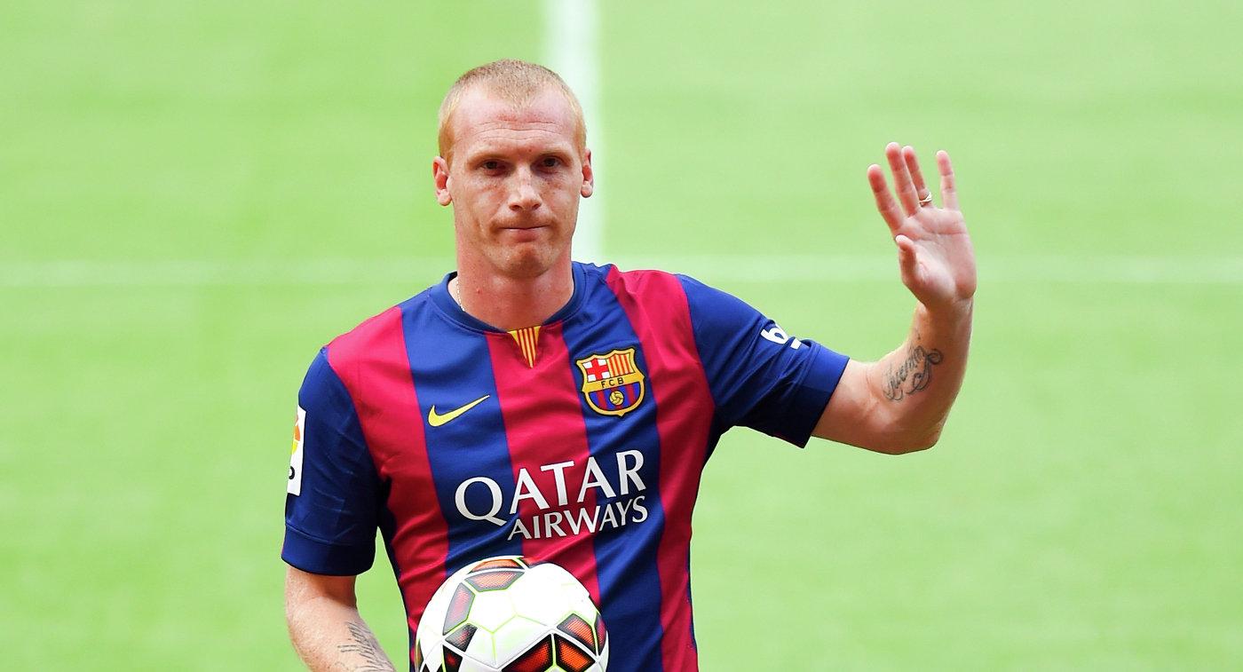 Барселона определилась с тройкой игроков, которых продаст летом