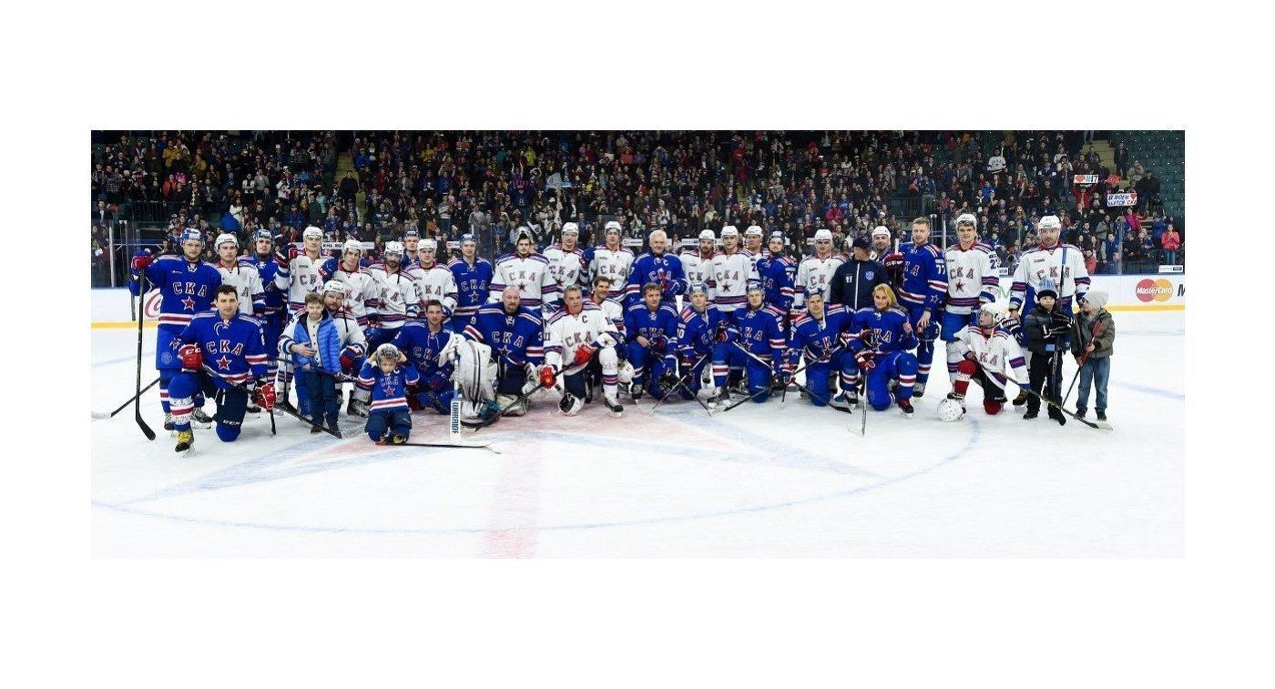 Хоккеисты, руководство и тренерский штаб СКА