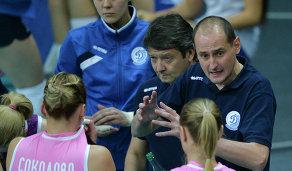 Главный тренер ВК Динамо (Краснодар) Константин Ушаков (справа)