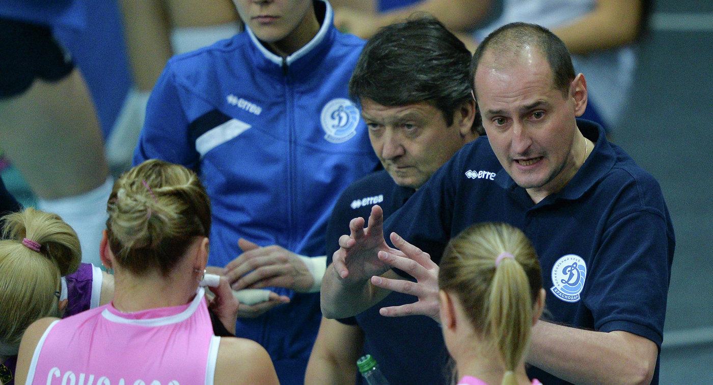 Женская волейбольная сборная сменила тренера перед концом чемпионата Европы