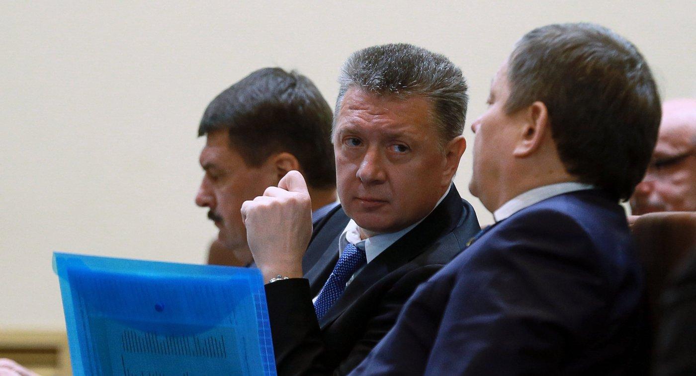 Министр спорта Самарской области Дмитрий Шляхтин (в центре)