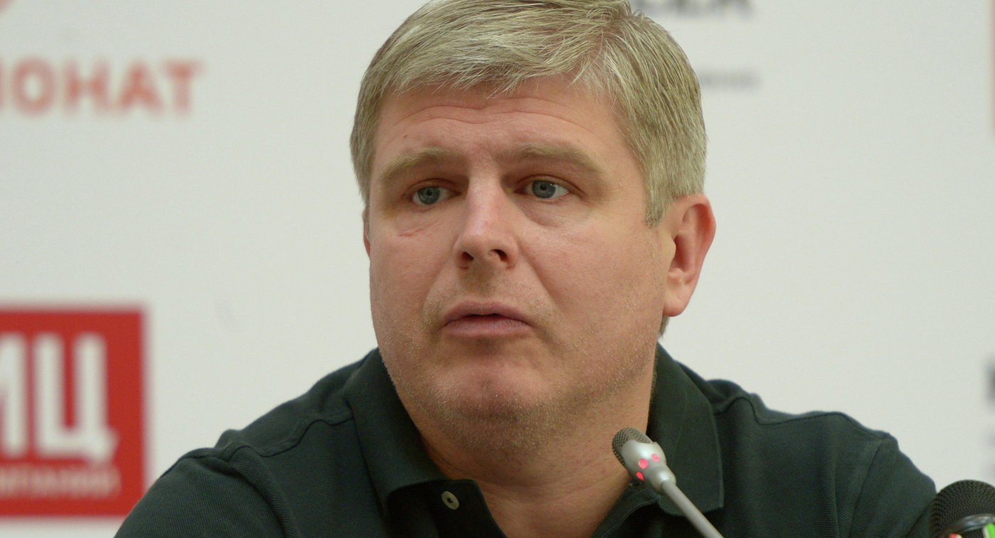 Промоутер Александра Поветкина Андрей Рябинский на пресс-конференции