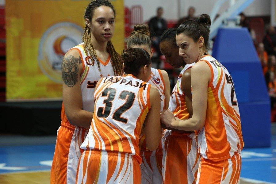 Баскетболистки УГМК вышли вфинал Евролиги, обыграв курское «Динамо»