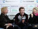 Елена Буянова (Водорезова), Максим Ковтун и Татьяна Тарасова (слева направо)