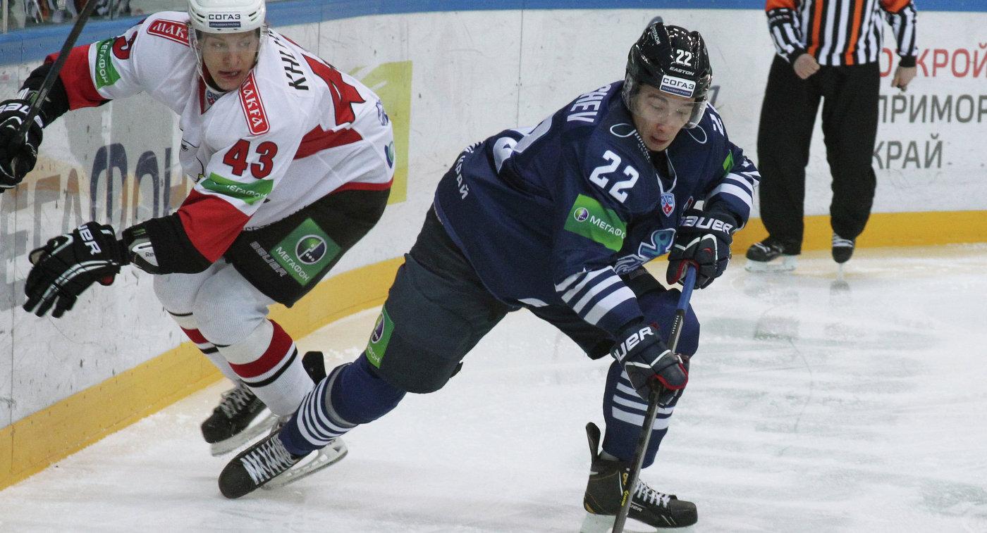 Нападающий Адмирала Сергей Барбашев
