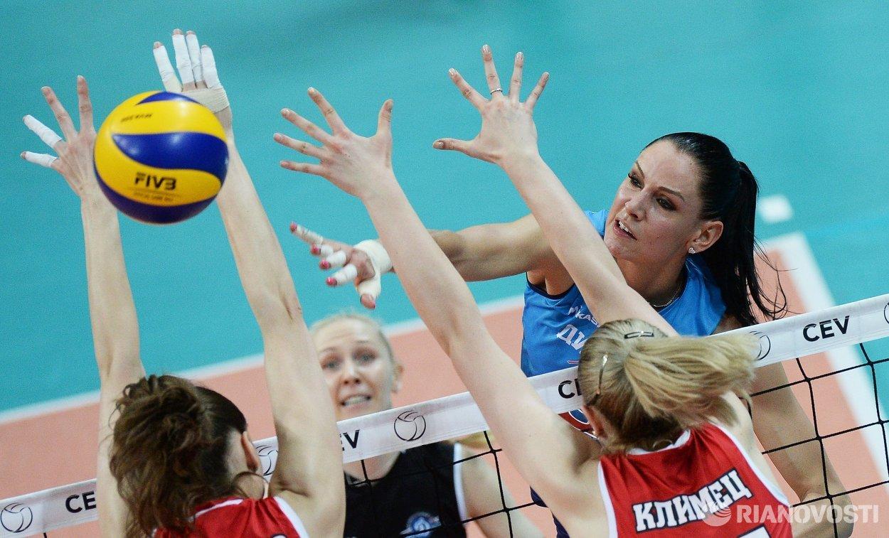 Диагональная ЖВК Динамо (Москва) Наталия Гончарова (справа)