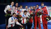 Рапиристы сборной России, завоевавшие серебряные медали на соревнованиях командного первенства по фехтованию
