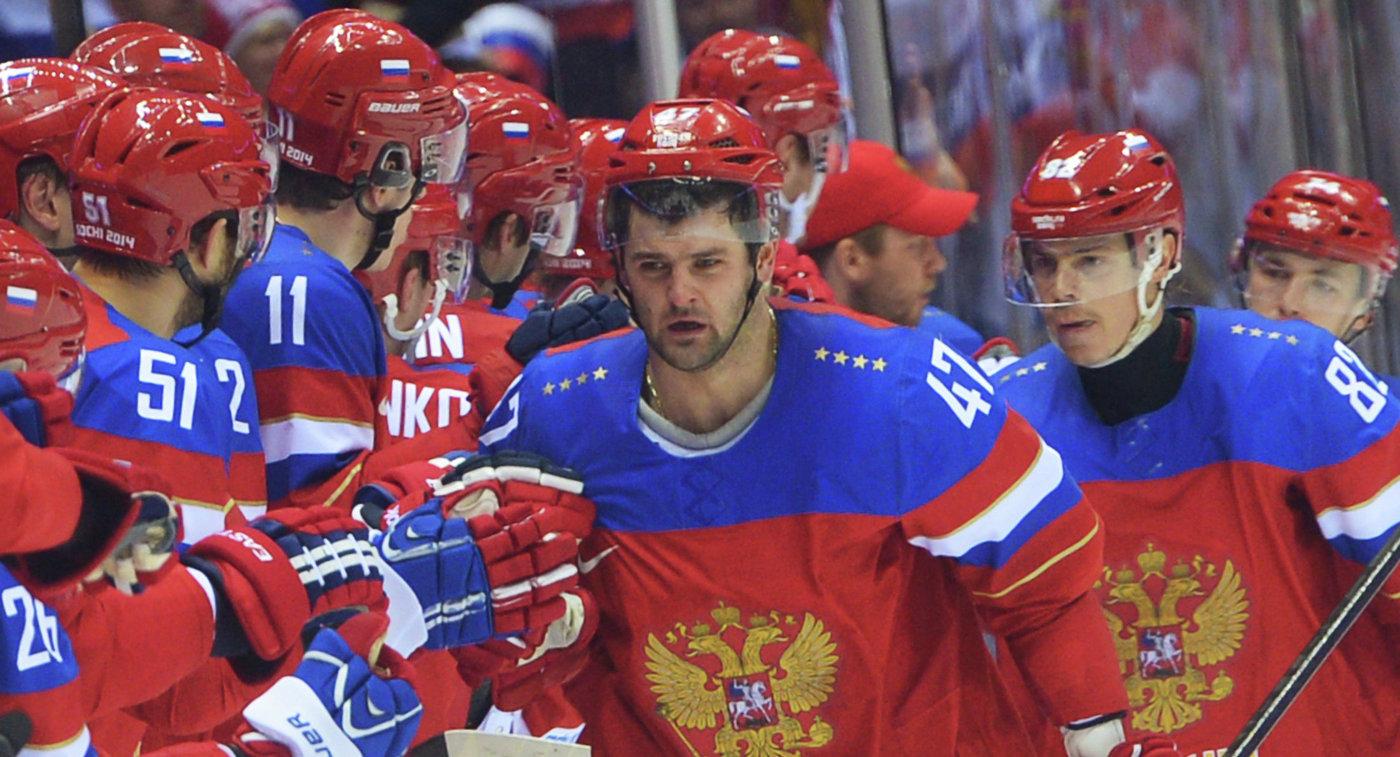 Справа налево: Алексей Емелин, Евгений Медведев и Александр Радулов (Россия)