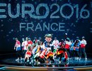 Выступление артистов перед началом церемонии жеребьевки финального турнира чемпионата Европы по футболу 2016 во Франции