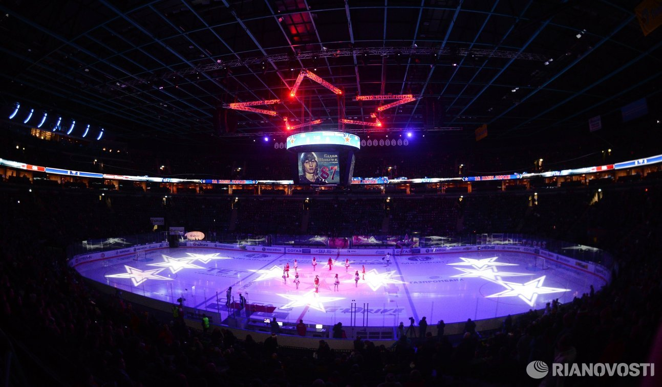 Стадион Ледовый дворец перед началом матча регулярного чемпионата Континентальной хоккейной лиги