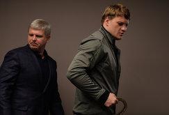 Андрей Рябинский (слева) и российский боксер Александр Поветкин