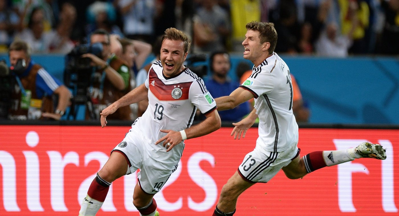Марио Гетце (слева) и Томас Мюллер