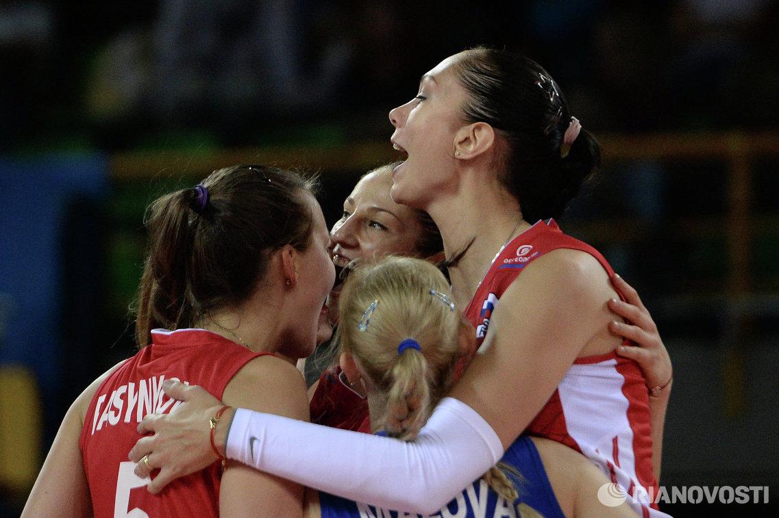 Волейболистки сборной России Татьяна Кошелева и Екатерина Гамова-Мукасей (справа)
