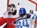 Игровой момент матча Финляндия - Дания