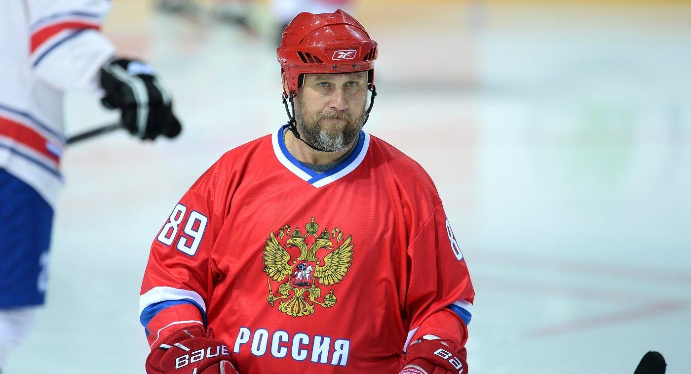 Игрок сборной России Александр Могильный