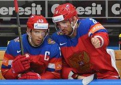 Форварды сборной России Павел Дацюк (слева) и Александр Овечкин
