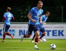 Защитник сборной России по футболу Алексей Березуцкий