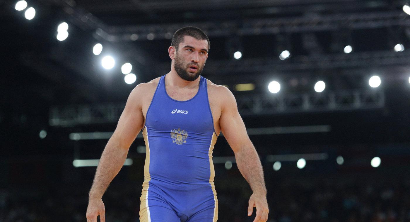 Найфонов одержал победу турнир повольной борьбе «Аланы» ввесе до86кг