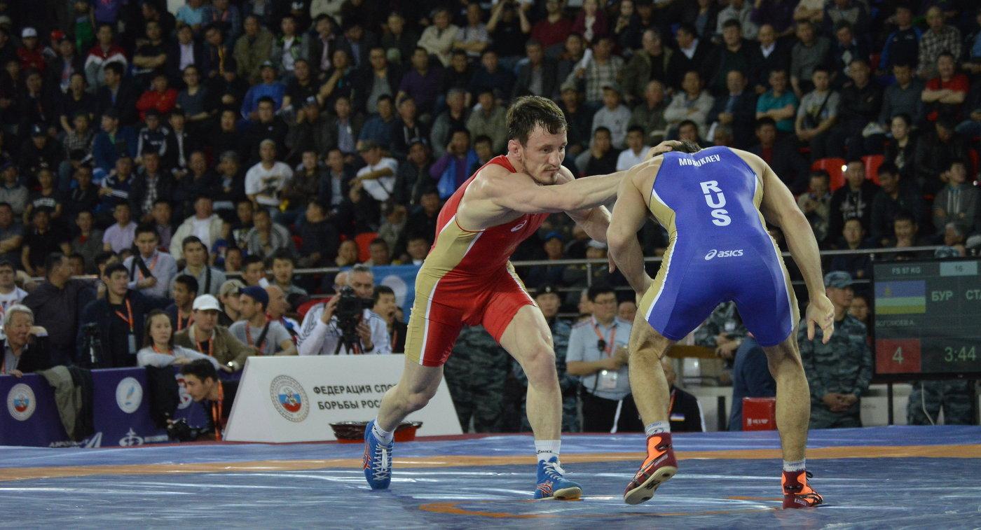 Русские борцы завоевали три золотые медали во 2-ой день турнира имени Ярыгина