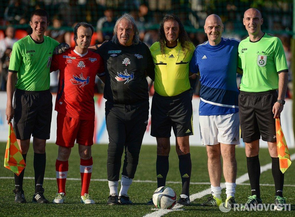 Президент ФИФА Джанни Инфантино (второй справа)