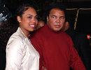Мохаммед Али со своей дочерью Ханной (архив, 2001 год)