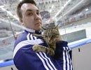 Кошка Матроскина на руках видеооператора Адмирала Михаила Быкова