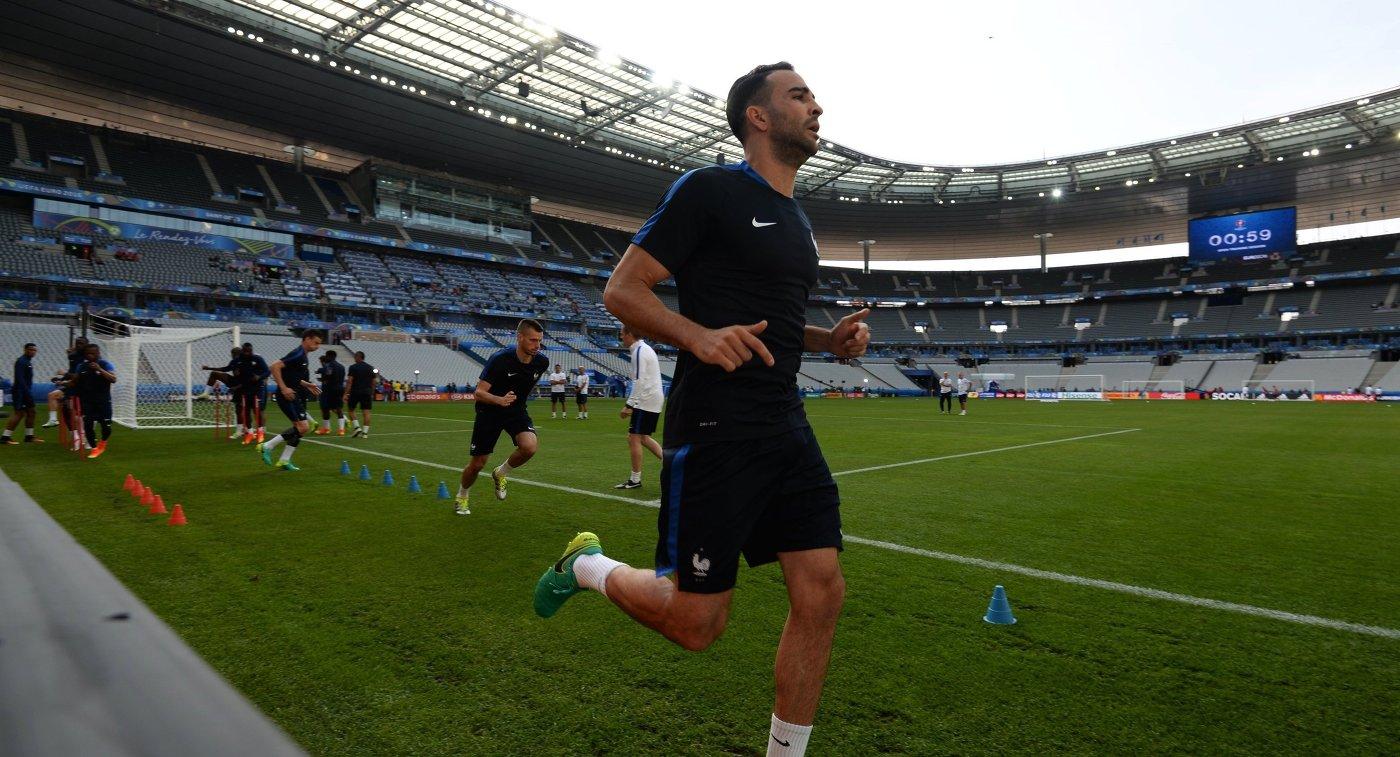 Игрок сборной Франции Адиль Рами