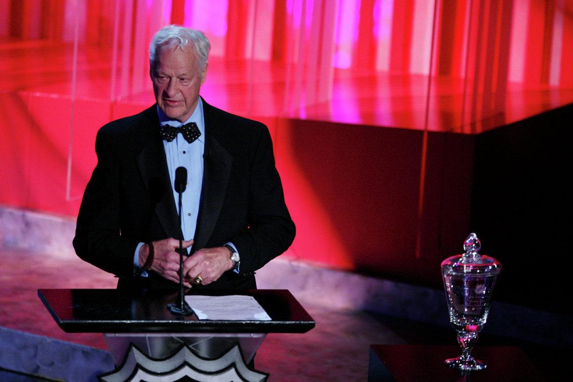 Горди Хоу на церемонии по случаю вручения ему награды за вклад в развитие хоккея, 2008 год