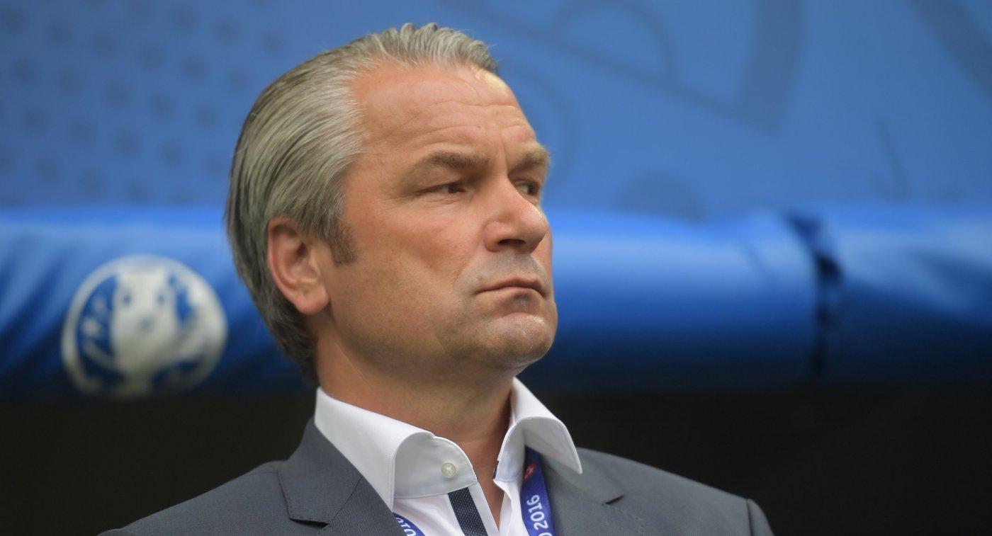 Главный тренер сборной Венгрии Бернд Шторк